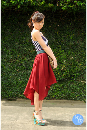 turquoise blue SoFab wedges - brick red Sheinside skirt
