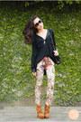 Black-chanel-bag-mustard-stylomylo-boots