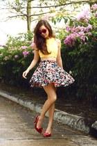 navy giftsahoy skirt - light yellow binky doodles top