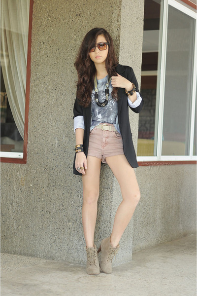 dark khaki f21 heels - black iwearsin blazer - light pink Topshop shorts