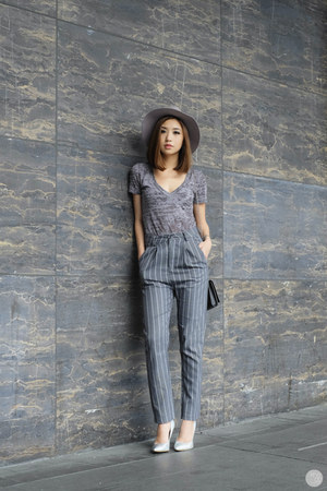 charcoal gray Chocochips pants
