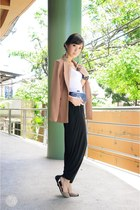 light brown WAGW blazer - black WAGW bag