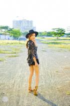 black Sheinside shorts - black VESSOS top