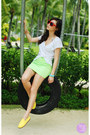 Yellow-flossy-flats-red-hk-sunglasses-lime-green-windsor-skirt