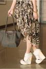 Heather-gray-longchamp-bag-light-brown-iwearsin-dress