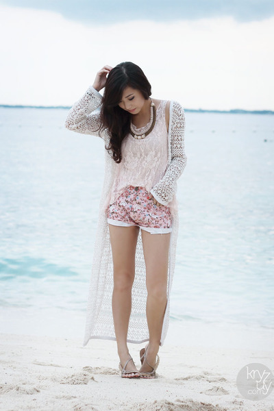 white RAMP cardigan - light pink ellysage shorts - light pink ellysage top