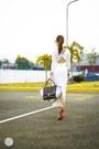 White-wagw-dress