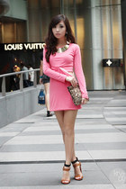 bubble gum dress - gold necklace