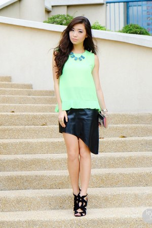 lime green WAGW top