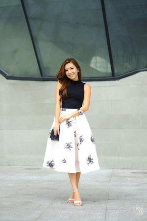 peach Choies skirt - black WAGW top - silver liu jo sandals