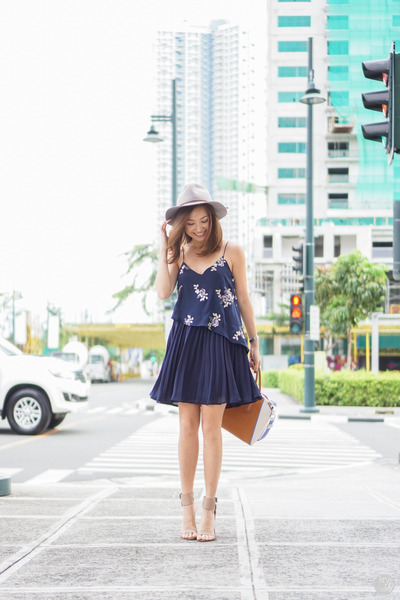 Navy-tobi-dress