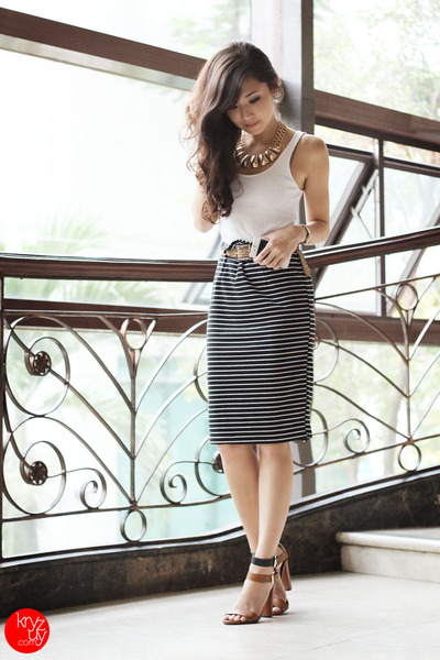 black WAGW skirt - brown Zara sandals - gold Mango belt