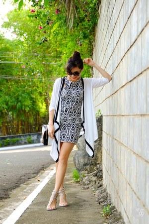 ivory Twenty3 dress - silver primaluxe manila sandals
