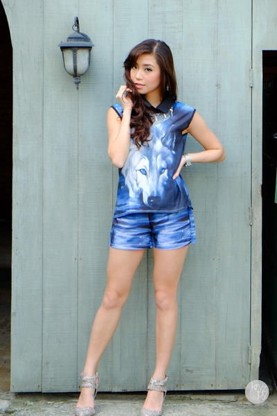 blue WAGW top - blue WAGW shorts