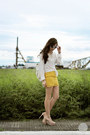 White-grafea-bag-yellow-house-of-eva-skirt-light-pink-zara-heels