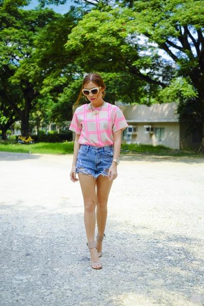 light pink WAGW top