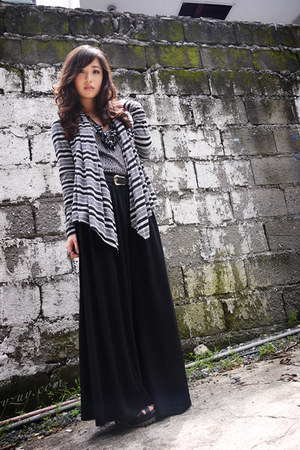 black romwe pants - dark gray H&M cardigan - black sm accessories necklace