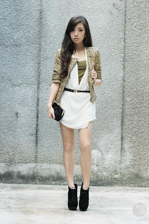 black ffaq boots - gold Mango blazer - black sm acc bag - white Mango top