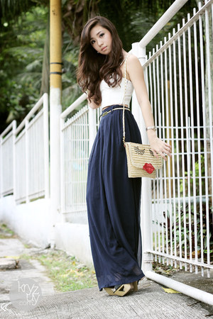 mustard WAGW bag - navy Ministry of Retail pants
