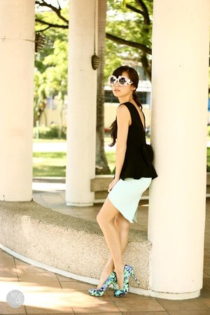 aquamarine WAGW skirt - white romwe sunglasses