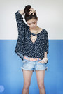 Blue-diy-shorts-nude-wagw-necklace-navy-ianywear-top-gold-wagw-ring