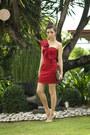Red-windsor-dress-gold-michael-antonio-heels