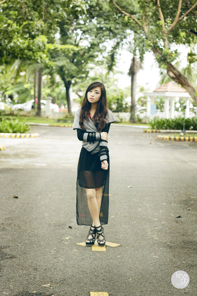 heather gray romwe jacket - black closet goddess dress - black Pedro heels