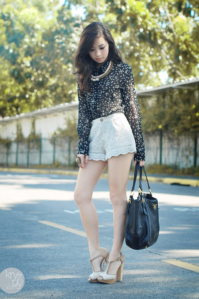 black romwe top - black Prada bag - ivory closet goddess shorts
