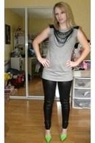black Forever 21 leggings - silver Forever 21 shirt - green Randa Kobe shoes