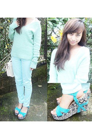 turquoise blue wedges - ivory bag - light blue pants - aquamarine sweatshirt