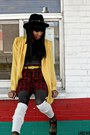 Black-thrifted-hat-yellow-thrifted-vintage-blazer