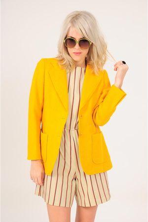 yellow la vintage blazer - beige la vintage shorts