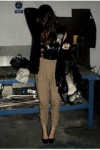 black Bershka cardigan - black Street Vendor t-shirt - beige Zara pants - black