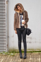 light brown OASAP coat - black High Heels Suicide top