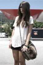dark brown faux fur Zara bag - black lace Wholesale-Dress shorts - cream golden