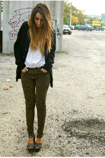 army green Zara pants - charcoal gray Topshop shoes - black Bershka cardigan