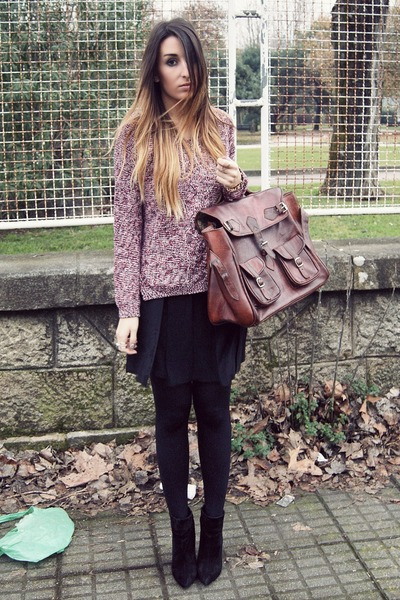 crimson satchel vintage bag - black Zara skirt