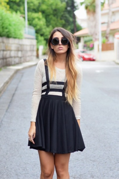 black round sunnies WOW Vintage sunglasses - black suspender Choies skirt