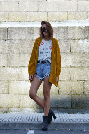 neutral High Heels Suicide top - orange UNIF cardigan