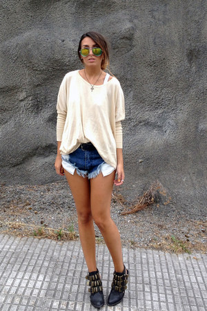 eggshell romwe sweater - black tripoli Jeffrey Campbell shoes