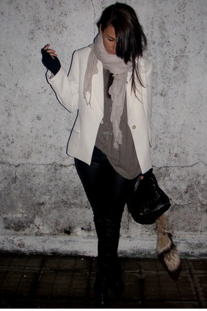 black Zara leggings - white vintage blazer - brown Zara top