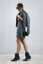 charcoal gray knitted Pixie dress - black leather Zara jacket