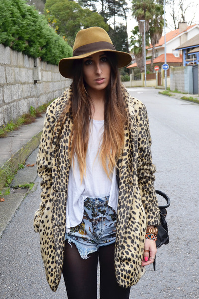 light brown leopard print asos coat - navy One Teaspoon shorts