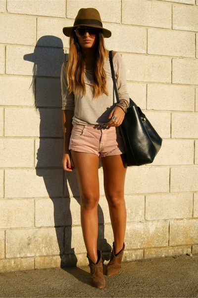 peach Zara shorts - camel Zara sweater - black Zara bag