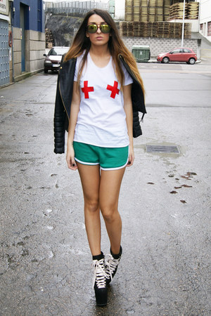 ruby red emergency High Heels Suicide shirt