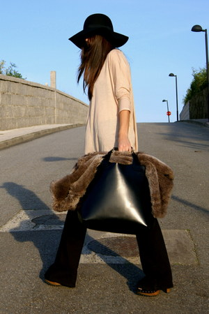 black flare Zara jeans - eggshell Zara shirt - black leather Zara bag