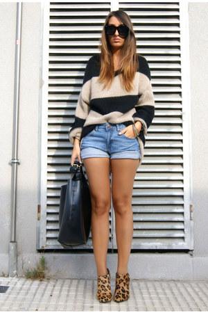 mustard leopard Zara shoes - black leather Zara shorts - brown striped Bershka j