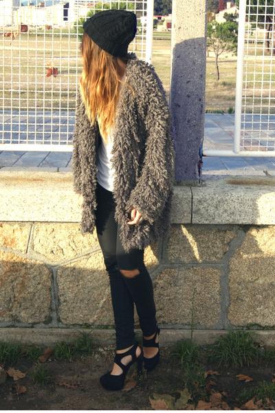 charcoal gray Svmi-e coat - black Office shoes - black Zara hat