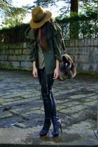 dark green parka Zara coat - black leather H&M leggings