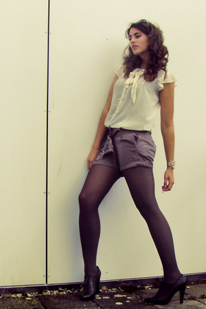 H&amp;M blouse - H&amp;M shorts - Bijenkorf panties - Zara Basic shoes